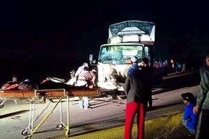 Xe tải và xe máy va chạm kinh hoàng, 3 người tử vong tại chỗ