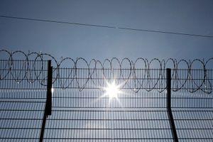 Phiến quân IS kích động bạo loạn tại nhà tù, 27 người chết
