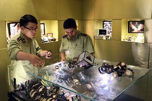Phát hiện khoảng 600 chiếc đồng hồ các loại nghi nhập lậu, giả thương hiệu