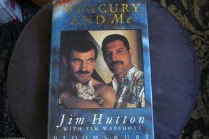 Hồi ức về thủ lĩnh Queen Freddie Mercury của người tình đồng tính