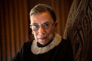 Thẩm phán 85 tuổi của Tòa Tối cao Mỹ nhập viện vì ngã