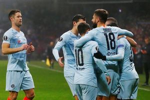 Giroud ghi bàn sau 5 tháng, Chelsea vào vòng knock-out Europa League