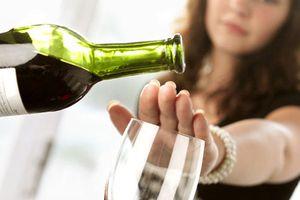 Cấm ép buộc người khác uống rượu, bia