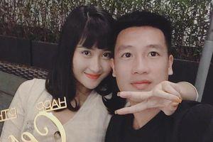 Bạn gái 9X xinh như hot girl, yêu 3 năm của cầu thủ Huy Hùng