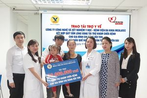Trao tài trợ 30 triệu đồng cho người mẹ mang gen bệnh tan máu bẩm sinh