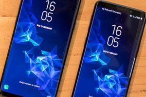 Samsung xác nhận làm điện thoại màn hình tai thỏ, đỉnh hơn iPhone XS nhiều