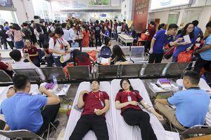 Hơn 1.000 đơn vị máu thu được từ chương trình ngày 'Tình nguyện đỏ'