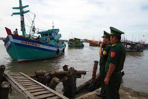Giúp ngư dân yên tâm bám biển
