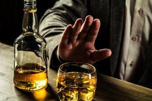 Người Việt uống rượu bia nhiều gấp 4 lần người Singapore