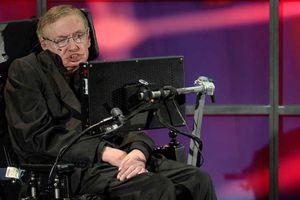 Xe lăn của cố thiên tài vật lý Stephen Hawking được bán giá 9 tỉ đồng