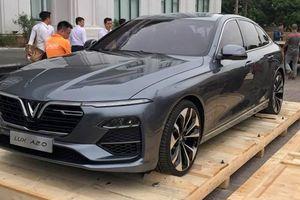 Hé lộ những hình ảnh đầu tiên mẫu sedan của Vinfast tại Hà Nội