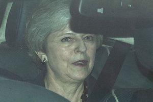 Xế hộp đâm trúng đoàn xe chở Thủ tướng Anh, Thủ tướng Bỉ