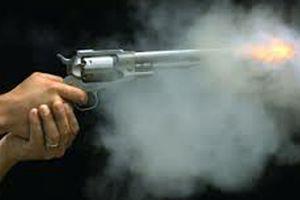 Nổ súng trong trường trung học Mỹ