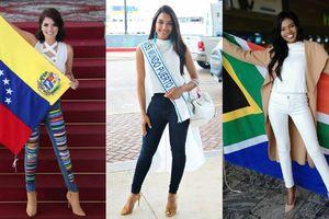Cuộc chiến Miss World bắt đầu: Cú đọ sắc bất phân thắng bại ngay tại sân bay