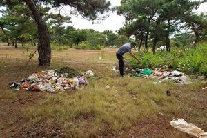 Gia Lai: Thắng cảnh du lịch đồi cỏ hồng nhếch nhác vì rác thải