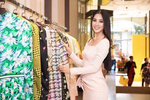 Nhiều NTK hậu thuẫn Tiểu Vy chuẩn bị váy áo lên đường thi Miss World