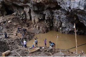 Sập mỏ vàng ở Hòa Bình: Ngày thứ 5 liên tiếp cứu hộ 2 nạn nhân mắc kẹt