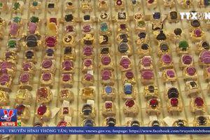 Trả loại kim cương và hột đá nhân tạo cho Công ty Thảo Lực