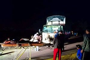 Nghệ An: Xe tải tông trực diện xe máy, 3 người tử vong