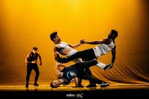 Buổi biểu diễn múa Hip hop '#Hashtag 2.0' của đoàn nghệ thuật Pockemon Crew đến từ nước Pháp