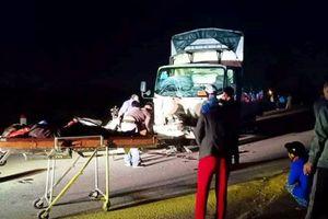 Xe tải tông trực diện xe máy, 3 người tử vong tại chỗ
