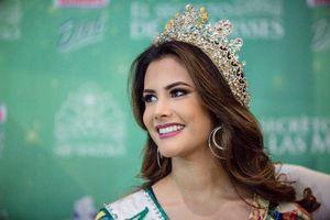 Ngắm vẻ đẹp 'nóng bỏng' của tân Hoa hậu Quốc tế 2018