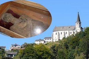 Phát hiện thi thể linh mục nguyên vẹn như 'xác ướp' sau gần 300 năm
