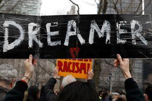 Tòa án yêu cầu chính quyền Trump tiếp tục chương trình DACA