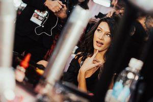 Ngắm dàn thiên thần Victoria's Secret trong loạt ảnh hậu trường