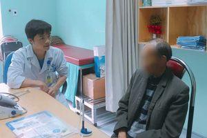 Dùng thuốc nam chữa bệnh, người đàn ông bị ung thư di căn