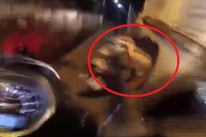Clip: Bỏ của chạy lấy người, tên cướp vẫn bị dân truy cùng đuổi tận như phim