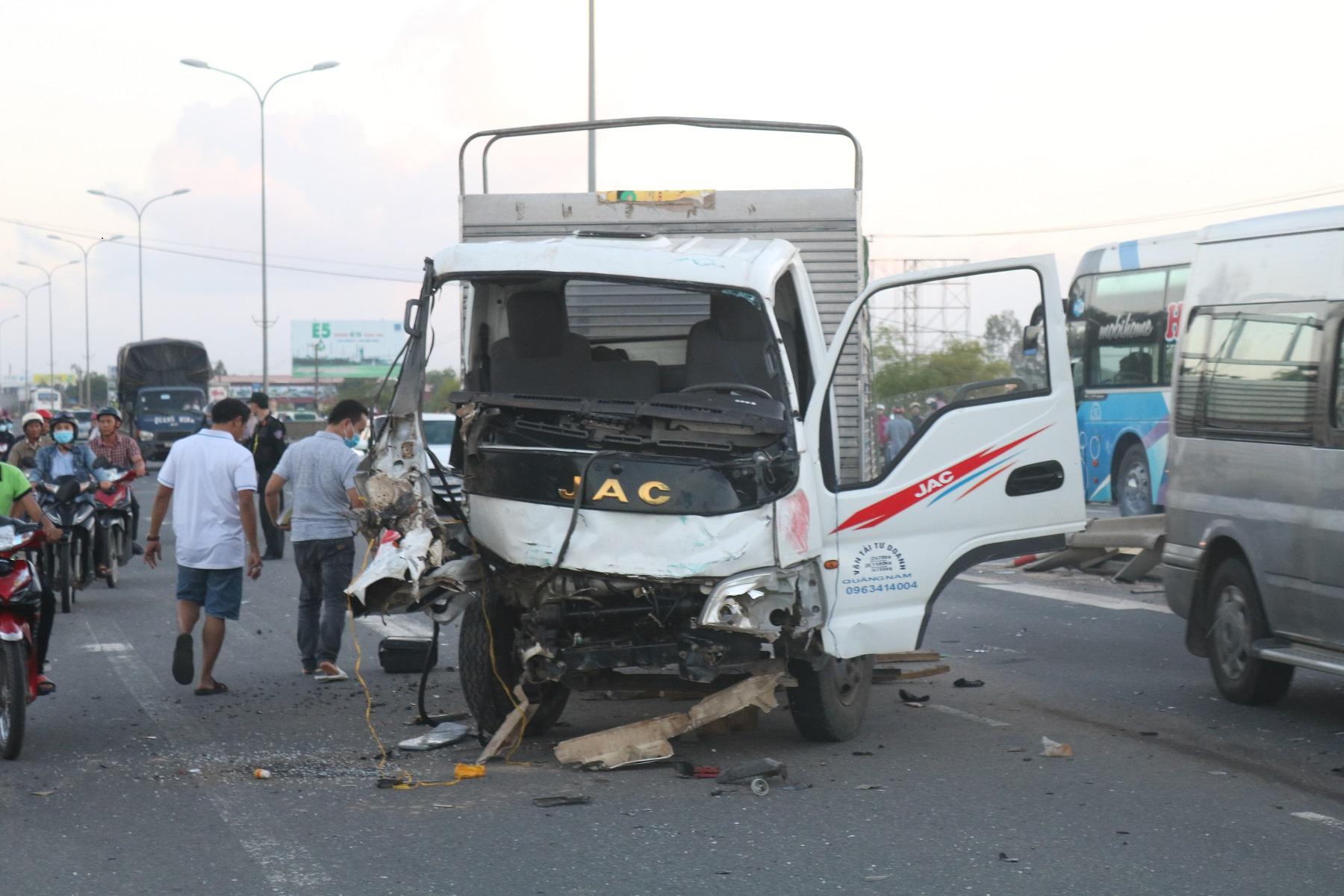 Quảng Nam: Tai nạn liên hoàn, một người tử vong