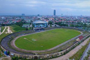 Sân vận động Hà Tĩnh lạnh lẽo, xuống cấp