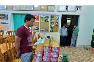 Quảng Bình: Bắt đối tượng vận chuyển gần 50kg pháo lậu