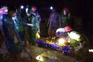 Tìm thấy một thi thể trong hang khai thác vàng trái phép ở Hòa Bình
