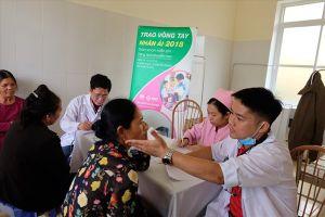 Khám và chăm sóc sức khỏe miễn phí cho 700 người dân vùng khó khăn