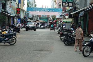 Truy bắt nhóm đòi nợ thuê đâm chết người ở trung tâm TP.HCM