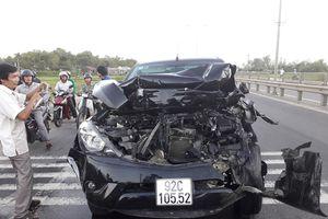 5 xe đâm nhau liên hoàn trên Quốc lộ, 4 người thương vong