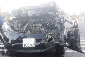 Tai nạn ô tô liên hoàn ở Quảng Nam, tài xế văng khỏi xe tử vong