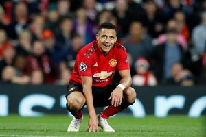 Lý do Sanchez muốn bỏ MU, Sterling ký hợp đồng khủng