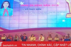 Tổng phụ trách đội Trường TH Thị trấn Thạch Hà nhận giải thưởng 'Cánh én hồng'