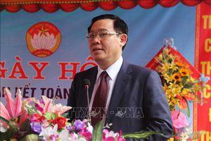 Phó Thủ tướng Vương Đình Huệ dự ngày hội Đại đoàn kết ở xã Hiến Sơn-Nghệ An