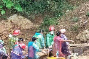 Vụ sập hầm vàng ở Hòa Bình: Đã tìm thấy thi thể 1 nạn nhân