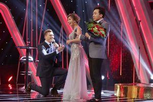Bạn trai người Pháp bất ngờ cầu hôn Phượng Vũ ngay trên sân khấu 'Người ấy là ai?'