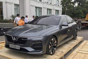 Sedan VinFast Lux A2.0 bất ngờ xuất hiện tại Việt Nam