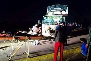 Xe tải đâm xe máy, 3 người trong một gia đình tử vong thương tâm