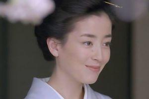 Cuộc đời 'ngọc nữ' Nhật: Bị mẹ ruột ép 'đi khách', chụp ảnh nude