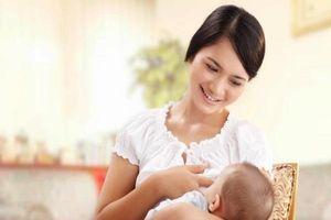 Bảo quản sữa mẹ đúng cách sau khi đi làm theo gợi ý của chuyên gia