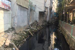 Hà Nội: Người dân Thụy Khuê 'ngạt thở' bên dòng mương ô nhiễm