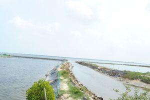 Ra hồ nuôi tôm chơi, bé trai 19 tháng tuổi chết đuối ở Quảng Nam